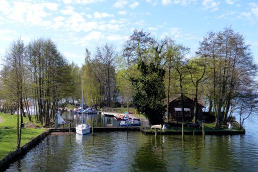schifffahrt-bootsverleih-oberbachbruecke